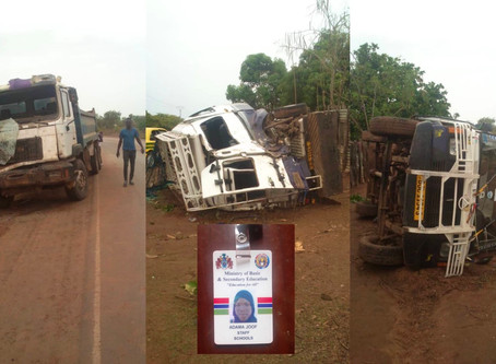 """A ghastly car accident involving a """"Gele Gele"""" and a Truck claims 5 lives, dozen injured"""