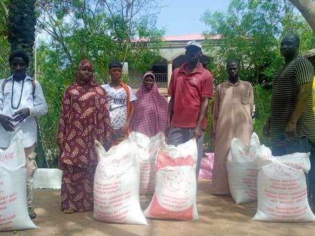 Live and Smile for my people distributes 75 bags of rice to the needy