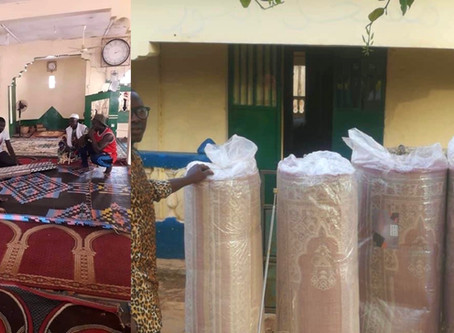 UK based Sukutarian and friend donates D80,000 worth of prayer mats to a Gunjur mosque