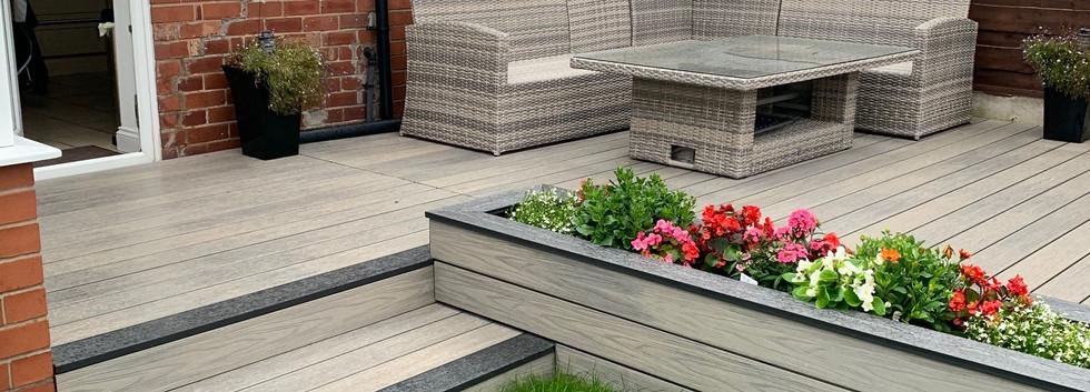 548 Prestige Cedar & Graphite - Decking & Planters