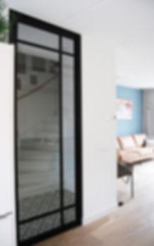 deur en bank_web.jpg