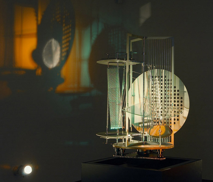 moholy-nagy-light-space-modulator-1922.j