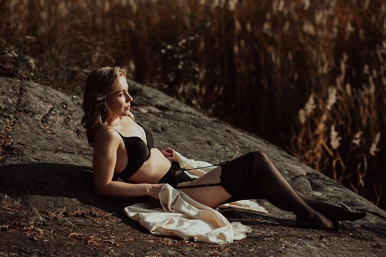 janina janatuinen - boudoir (39).jpg