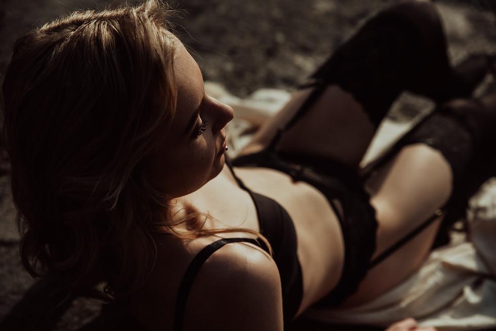 janina janatuinen - boudoir (25).jpg