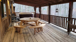 View of deck & picnic table