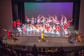 WAVE studio Recital 2018 Finale Dance 2.jpeg
