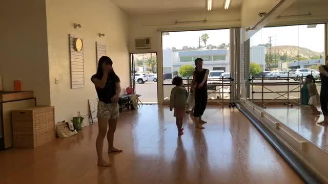 ボイストレーニング&歌 サマーキャンプ  通常クラス ↓ 毎週 日曜日  4:00pm-5:0pm  子供 5:00pm-6:00pm 大人