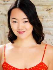 Duoer Jia as Grace O'Brien