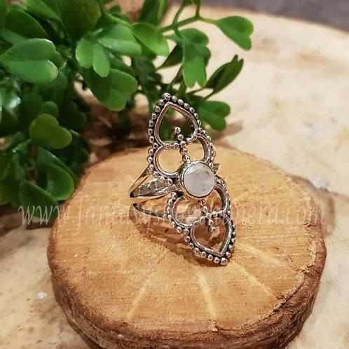 rainbow moonstone regenboogmaansteen healing stones silver fantasy ring jewellery jewelry shop amsterdam sieraden zilver