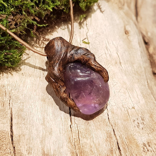 ancient sacred tree amethyst healing stone protection amulet bescherming talisman