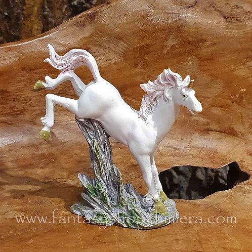 jumping unicorn eenhoorn beeldje figurine fantasy shop cadeauwinkel amsterdam