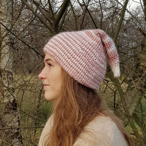 pink white pointy pixy hat winter wool puntige wollen muts  roze wit kaboutermuts
