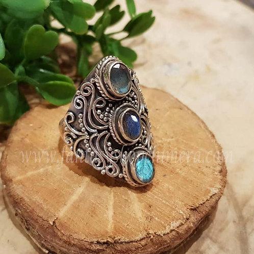 Labradorite curls labradoriet laboriet silver ring jewellery jewelry shop amsterdam ring sieraden zilver winkel