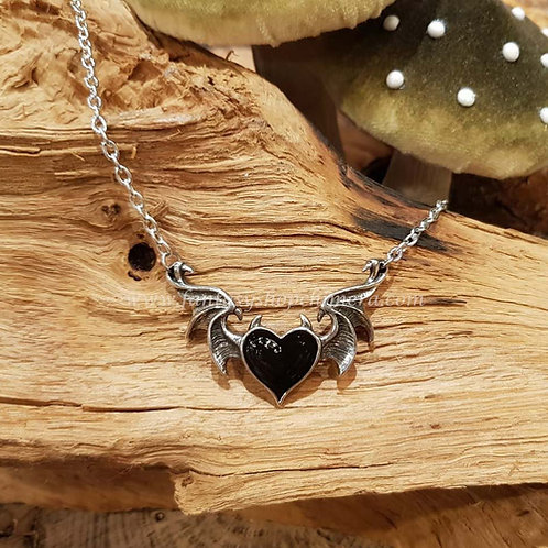 black soul heart necklace bat wings horns zwart hart collier vleermuis gothic