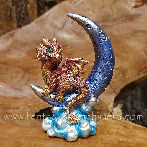moon dragon figurine drrakje in de maan beeldje fantasy figurines art