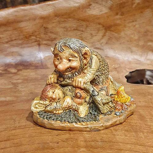 troll dad child figurine trol vader met kind beeldje