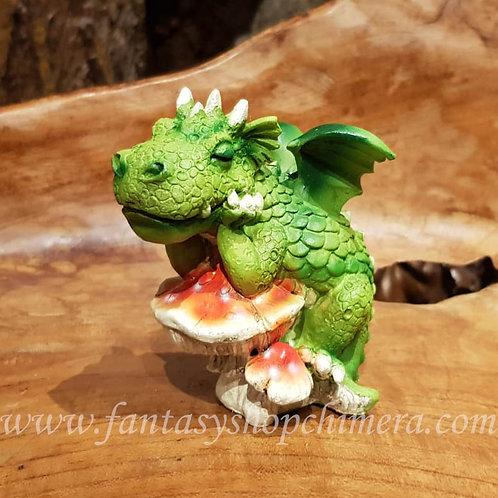 so tired green dragon mushroom groen draakje rode paddestoel beeldje