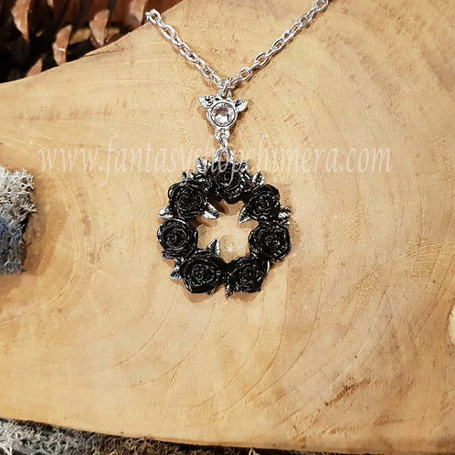Ring of roses necklace