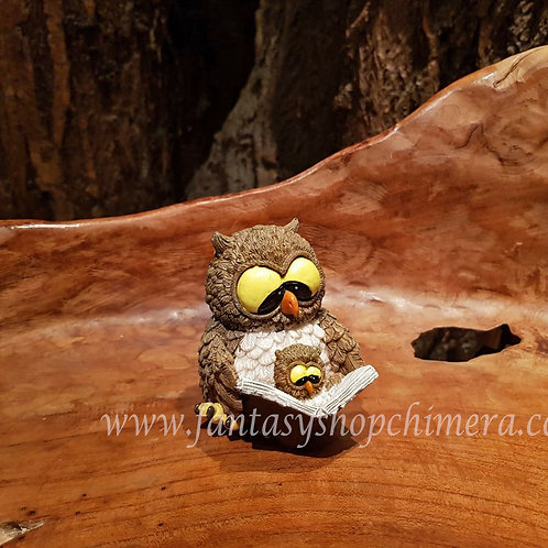 Owl book uil boek lezen reading story fairytale figurine beeldje statue