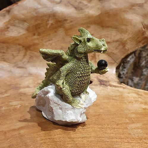 Rotund fledgeling dragon clarecraft bernard pearson draakje kristallen bol