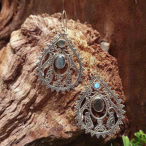 fantasy rainboe moonstone regenboogmaansteen earrings silver large droppers grote zilveren hangoorbellen