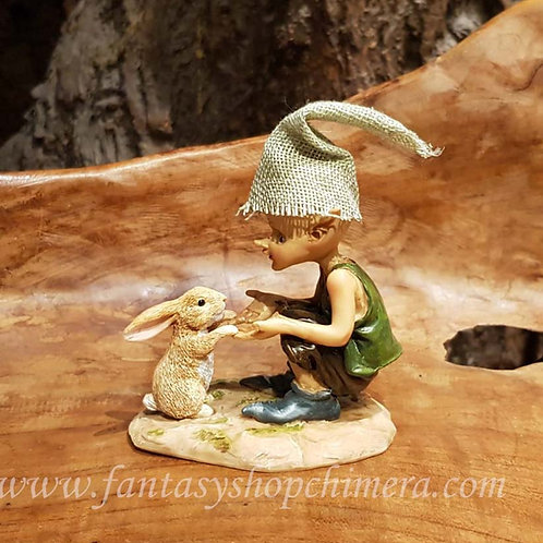 fluffy friend pixie with bunny rabbit kabouter konijntje beeldje fantasy figurines