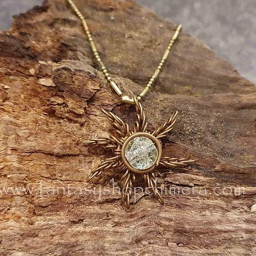radiant sun necklace sieraad copper koper zon hanger bergkristal rock crystal