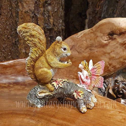 Emilly and Frank fairy squirrel figurine gift fantasy shop elfje eekhoorn beeldje sprookjes figuren cadeautjes