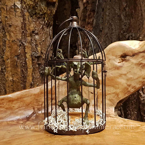 captured fantasy creature forest brian froud style LotR Harry potter ooak cage wezentje in kooitje