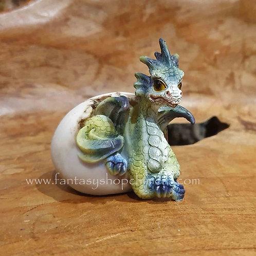 hatching dragon egg baby drakenei uitkomen draakje in ei beeldje figurine paasdecoratie