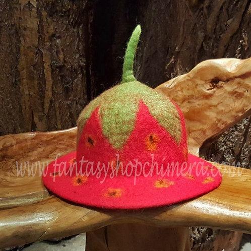 strawberry filt vilt hat hoedje flower alternative fairy clothing alternatieve kleding elfenhoedje