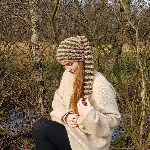 Beige green long pointy hat winter pixie gnome kabouter-muts lange puntige muts winter hippie boho