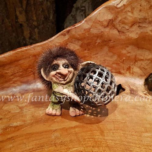 troll ny form nyform norway norwegian ball Noorse trol bal noorwegen fantasy shop chimera