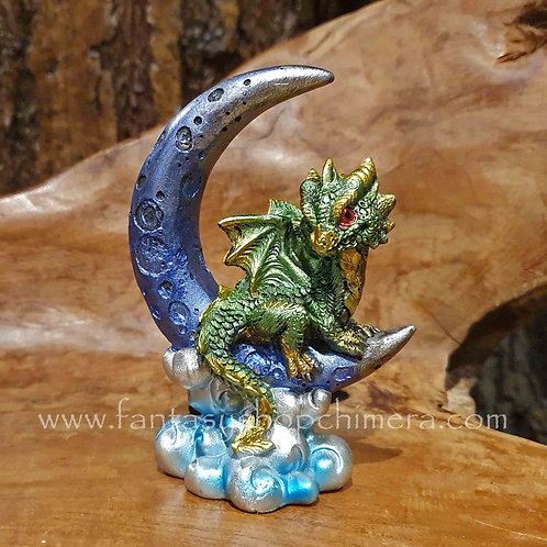 moon dragon figurine drrakje in de maan beeldje fantasy figurines art