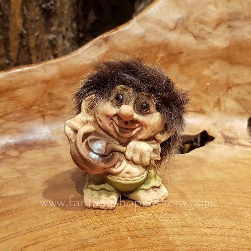 troll with pot pan berries nyform original norwegian noorse trollen trollenwinkel trol met pot pan roerend