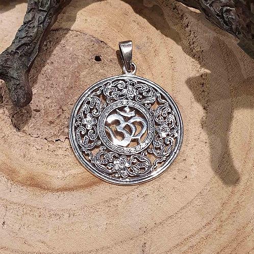 Aum Ohm OM hanger pendant silver zilveren zilver sieraden jewelry jewellery symbolic symbolische buddhism boeddhisme