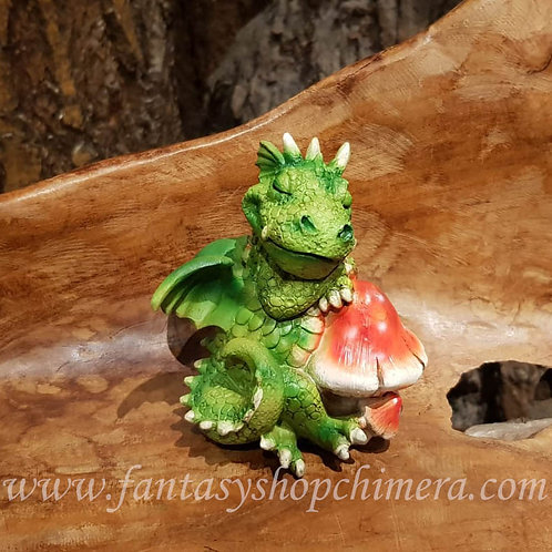 Little nap green dragon mushroom groen draakje rode paddestoel beeldje