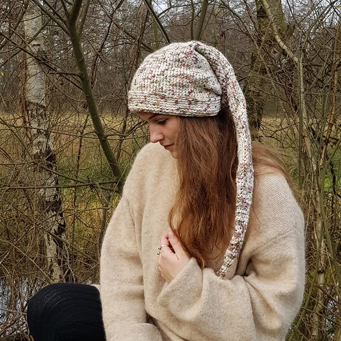 Beige long pointy hat winter pixie gnome kabouter-muts lange puntige muts winter hippie boho