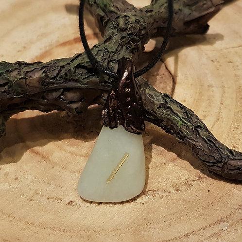 Isa mannaz rune viking necklace collier rune hanger sieraden pendant jade steen symbolische hangers bescherming