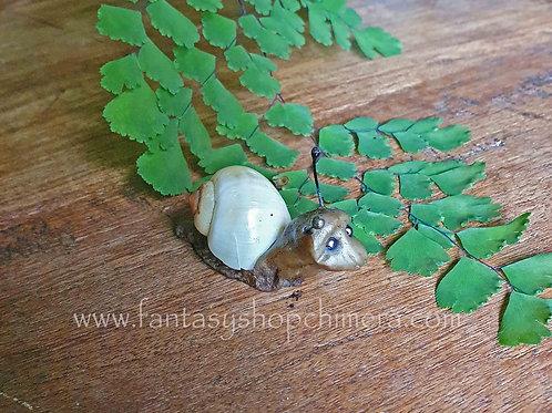 sluggie handmaide snail figurine fantasy art ooak slakje beeldje miniatuur