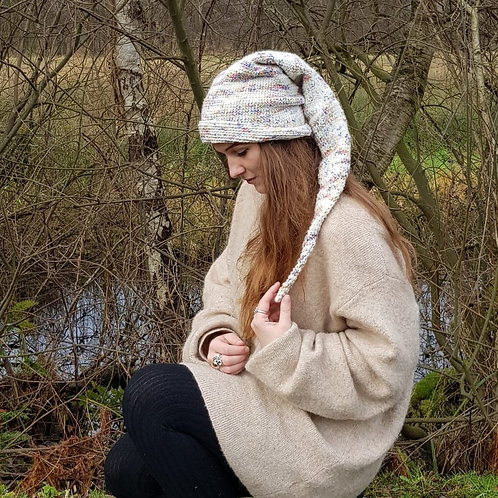 Beige blue long pointy hat winter pixie gnome kabouter-muts lange puntige muts winter hippie boho