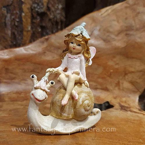 fairy snail riding figurine collectable ornament elfje rijdend op slak beeldje cadeautje