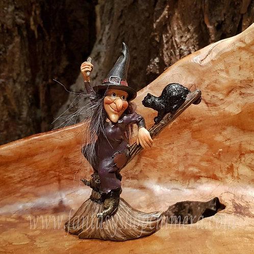 witch figurine broom stick black cat heksje beeldje zwarte kat poes
