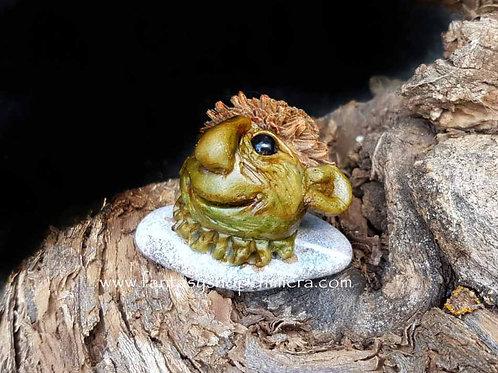stone hopper fantasy figurine pixie gnome steenspringertje kabouter kiezel art pebble