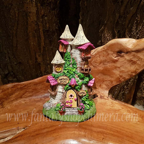 Faerie hotel fairy castle house cottage elfenhuisje tuin pixie huisje miniatuur sprookjes garden figurine kabouter gnome