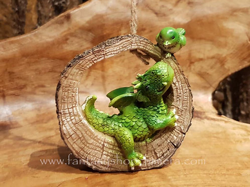 lenny leo dragon bird log hanhing ornament figurine draakje met vogel in boomstam hangend
