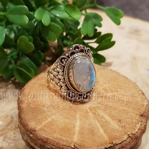 rainbow moonstone regenboogmaansteen ring zilver silver fantasy sieraden winkel jewellery shop amsterdam chimera