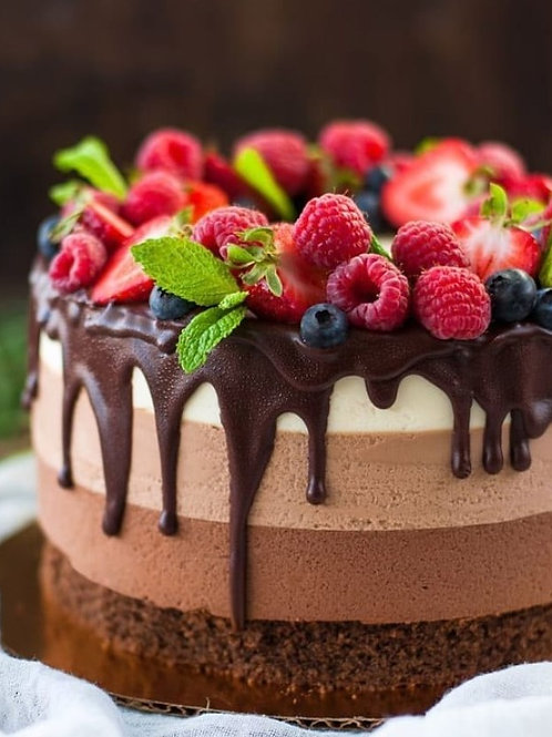 Tripple chocolate Mousse 6'' 6-8 ppl