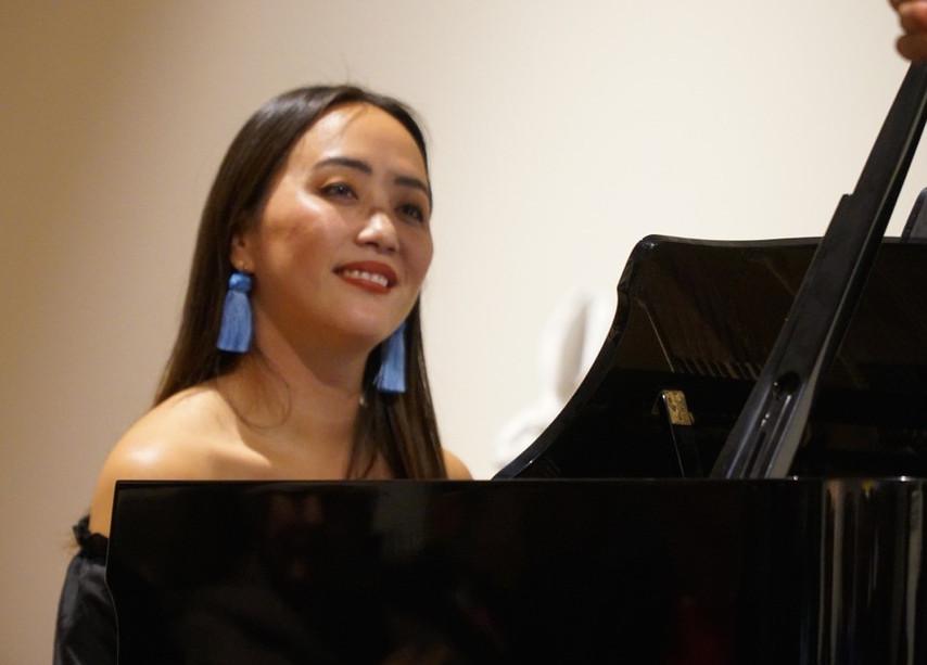 Somi Kim at the Piano.jpg