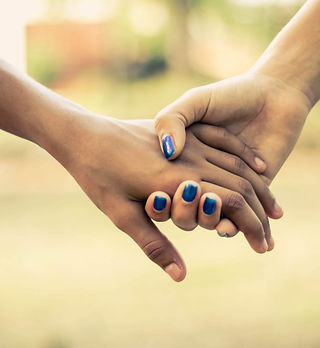 connection-hands-holding-hands-1101732 (